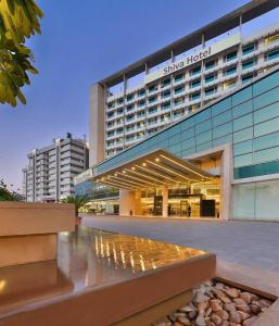 Crowne-Plaza-Ahmedabad-City-Centre-photos-Exterior (1)